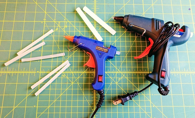 Hot glue guns