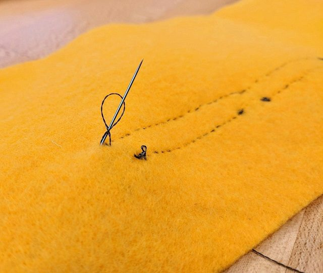 Tying loops in the thread