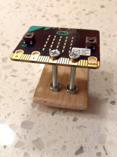 micro:bit compass stand